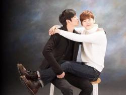 "Lee Jong Suk To Reunite With Yoon Kyun Sang On TV Through ""Three Meals A Day"""