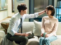 "Lee Jong Suk Comforts Suzy In New Stills For ""While You Were Sleeping"""