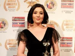 LOOK: Sunshine Dizon receives Most Outstanding Filipino Actress in Television award by Gawad Amerika