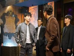 "Jo Jung Suk Faces Lee Shi Un's Gang In New ""Two Cops"" Stills"