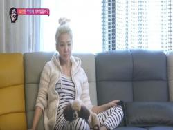 Girls' Generation's Hyoyeon Reveals Her Home And The Things She's Into Lately