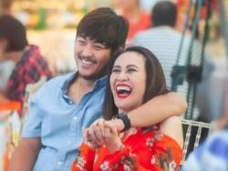Aiai Delas Alas praying for a baby with Gerald Sibayan this 2018