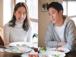 Son Ye Jin And Jung Hae In Exude Chemistry While Sharing A Meal For Upcoming JTBC Drama