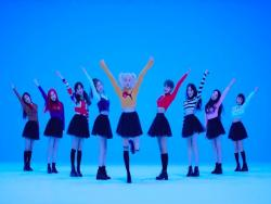 "MOMOLAND's ""BBoom BBoom"" Becomes Their 1st MV To Hit 200 Million Views"