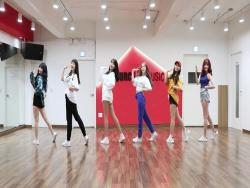 "Watch: GFRIEND Is Bright And Energetic In Dance Practice Video For ""Sunny Summer"""