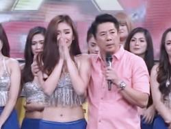 WATCH: 'Wowowin' dancers, emosyonal na nagpaalam kay Willie Revillame at sa show