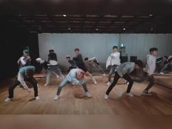 "TREASURE shows off dynamic choreography in dance practice video for ""Boy"""