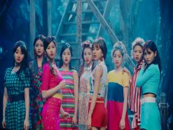 "TWICE's ""Signal"" Becomes Their 5th MV To Hit 100 Million Views"